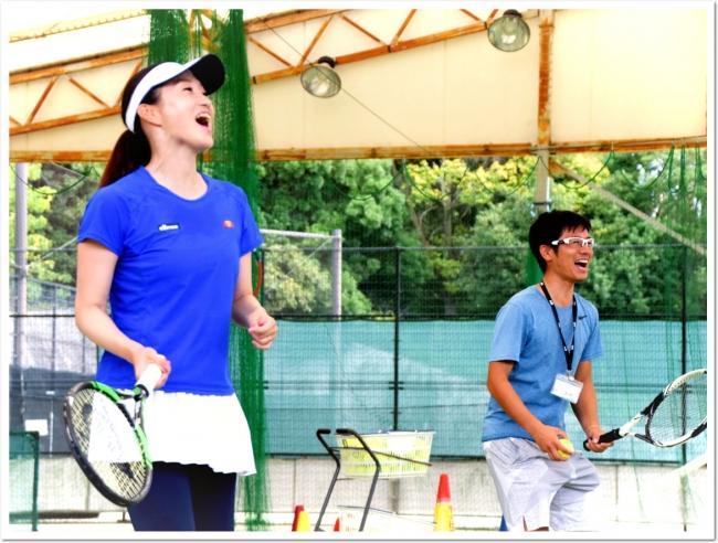 プロテニスプレーヤー久見香奈恵さんが、「練習生」としてレギュラーレッスンに電撃参加