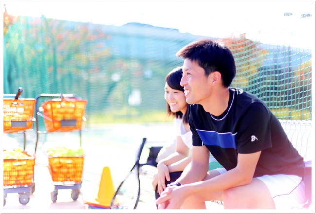 テニスはソーシャルディスタンスを守って、安全にたのしめるスポーツ。