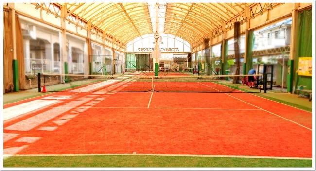 ITC与野インドアテニスクラブは砂入り人工芝コート&クラブハウスが全面リニューアル完了