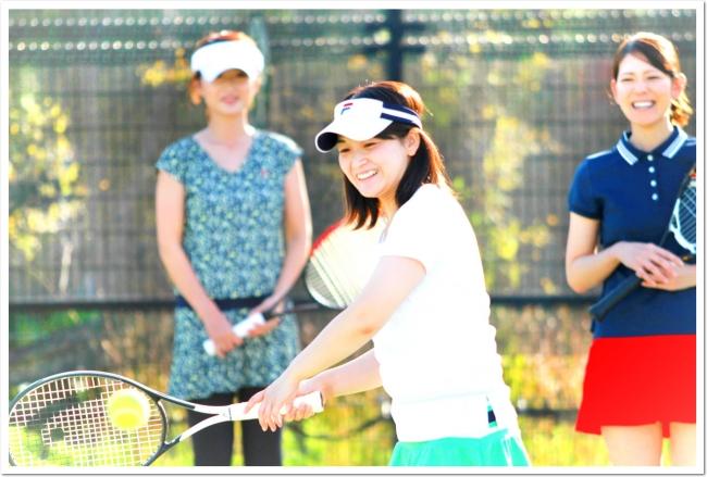 ソーシャルディスタンスを守って、安全にたのしめるスポーツ テニス