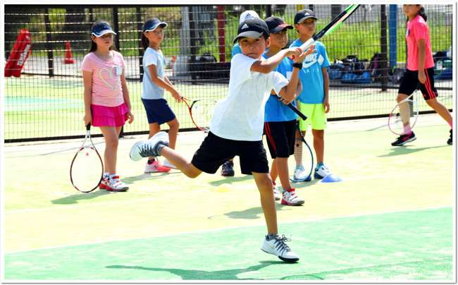 ITCテニススクールは、殻を打ち破れる少年少女を育てます。