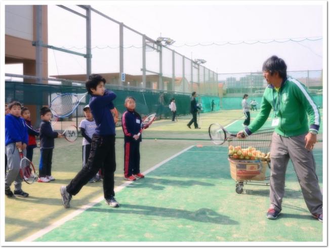 コーチもおどろく子どもたちの柔軟性と上達の早さ