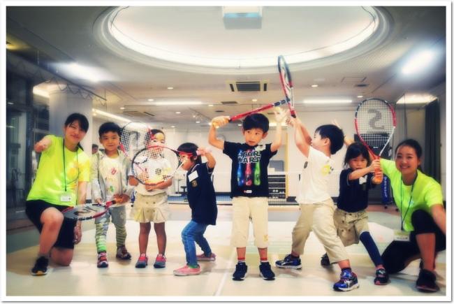 かんたんすぐにゲームを楽しめる、  新感覚室内ライトスポーツ「ES(イージー)テニス」