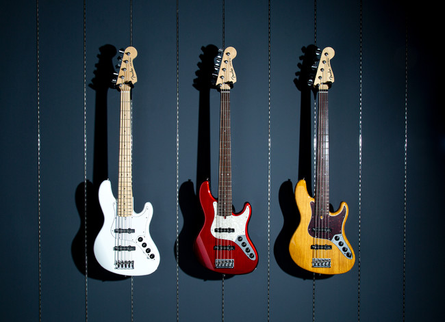 MADE IN JAPAN LIMITED DELUXE JAZZ BASS® V