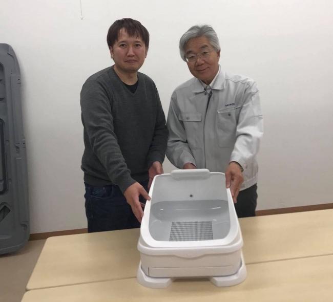 羽立化工代表取締役中村哲也氏(右)とハチたま取締役平畑輝樹(左)
