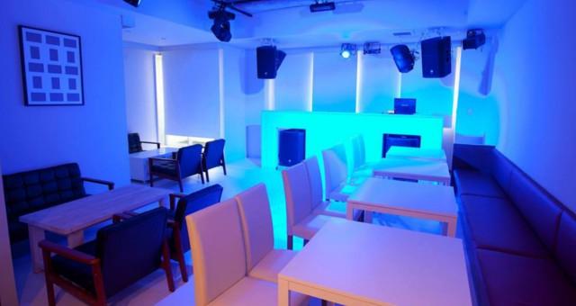 横浜人気のDJバー、クラブ、BAR、ナイトスポット Caelus - Cafe and Beat Lounge - 横浜駅西口