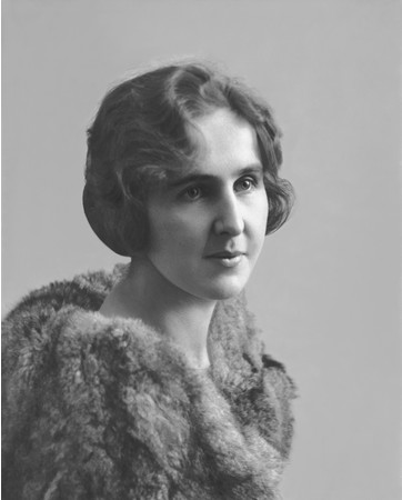 創業者の義理の娘ウィルヘルミナ・ブヘラ・ヘーブ