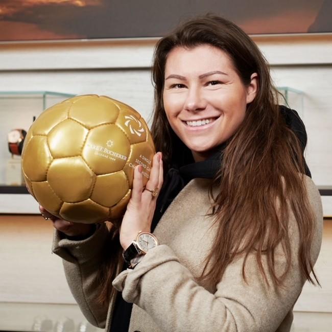 スイスの女子サッカー選手ラモーナ・バッハマン