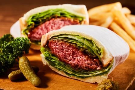 「萌え断」ローストビーフサンドイッチ