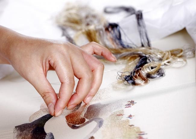 シャッツィ・チェン 中国四大刺繍の一つ「蘇繍」実演の様子