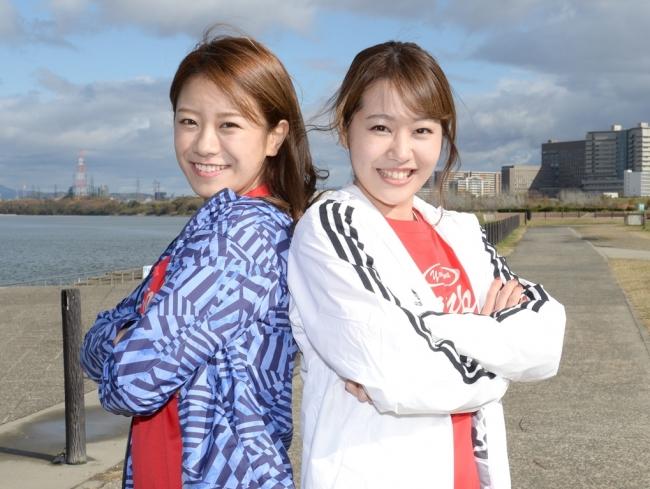 福本愛菜さん(左)と門脇佳奈子さん