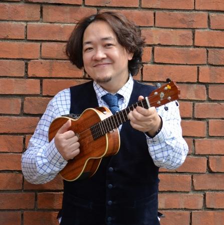 JazzoomCafe☆元総合格闘家のウクレレプレイヤー、  マリアナウクレレ大使。  超高速演奏が話題。