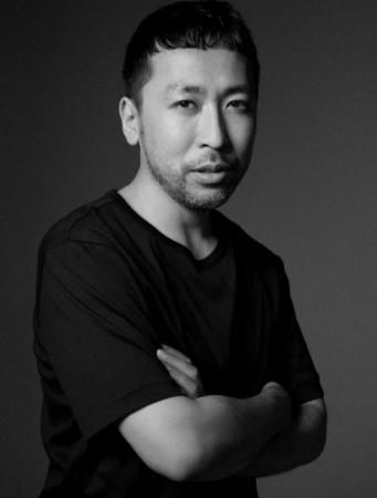 NARSグローバルアーティストリーディレクター伊藤貞文