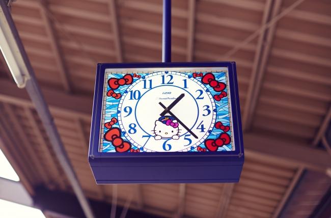 《ホーム階時計》