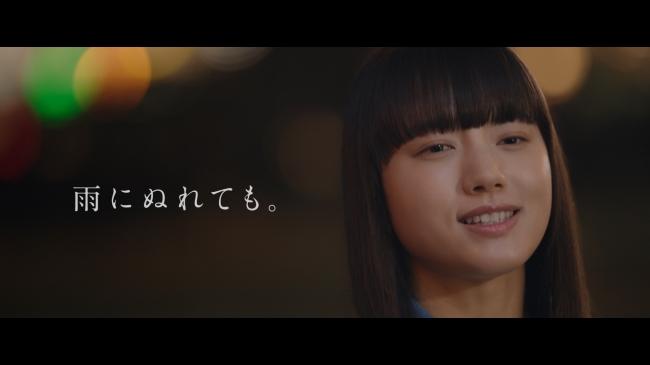 3.晴れやかな表情で歌う清原さん