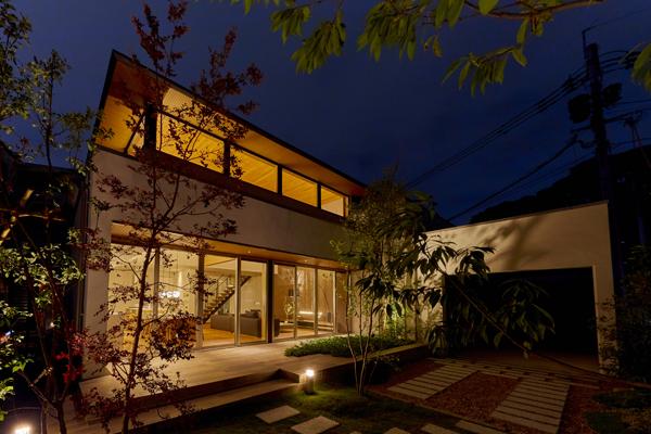 「プレミアムグランウッド 福岡・高宮の家」夜景