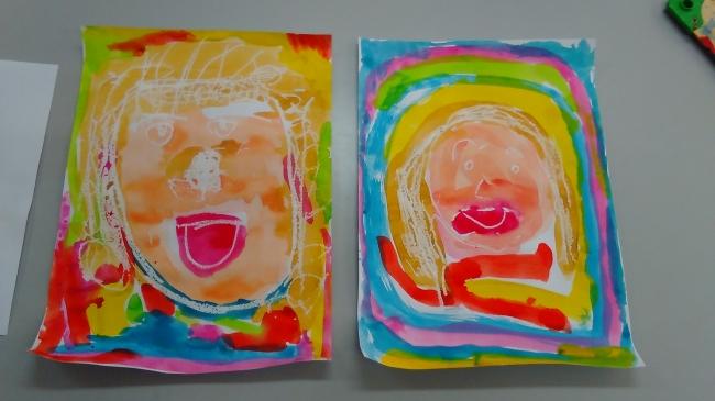 ゆり組作品 30作品(H 38 cm ×W27cm) テーマ:家族の一人を思い出しながら描く