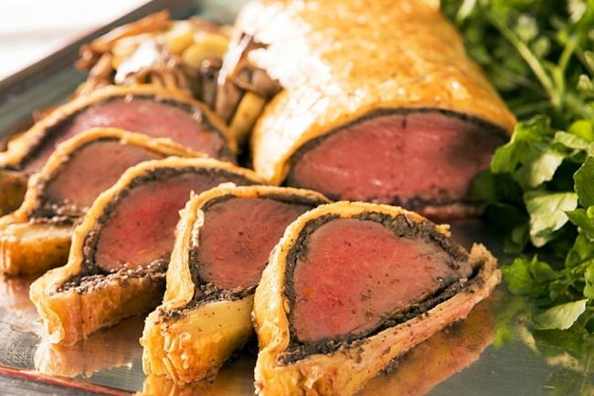 牛フィレ肉のパイ包み焼き