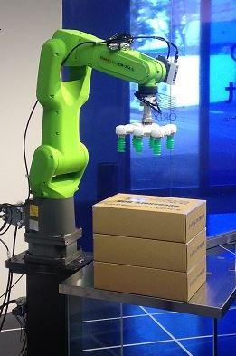 吸着ハンドタイプ ファナック製協働ロボット