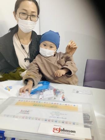 横浜市立大学附属病院でのビーズ・オブ・カレッジの様子