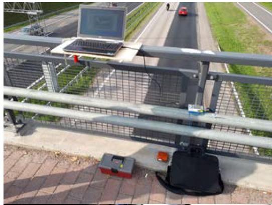 図1 橋梁側加速度センサー