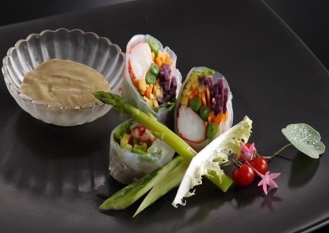 レストラン&ラウンジ「eu(ゆう)」タラバ蟹の生春巻