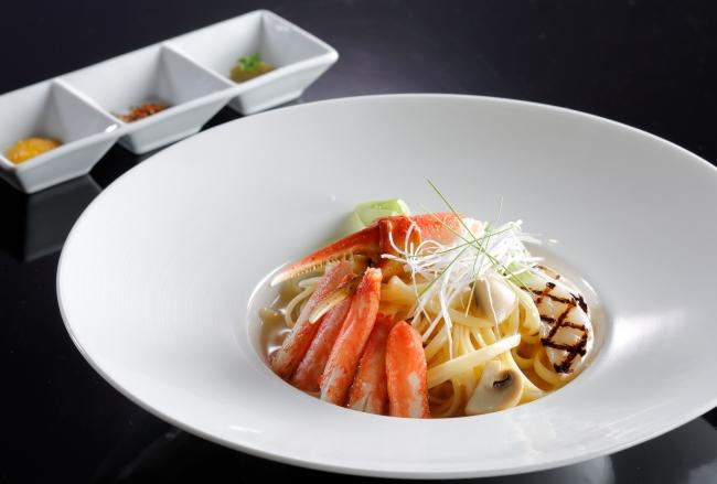 レストラン&ラウンジ eu(ゆう)「ズワイ蟹の和風スパゲッティ 三種のコンディメント」