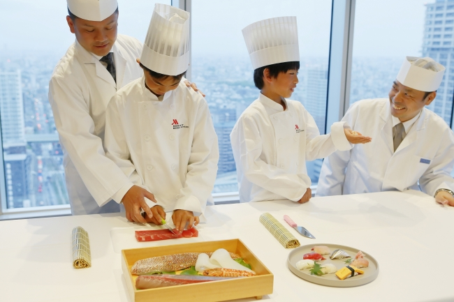 ZKの日本料理を担当するプロの料理人がレクチャー