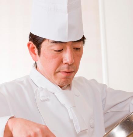 考案者 シェフ・パティシエ 西尾 章宏
