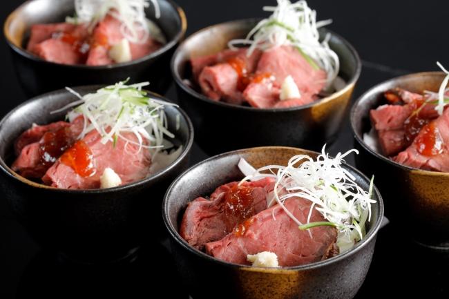 ローストビーフ丼 北海道産 西洋わさび添え