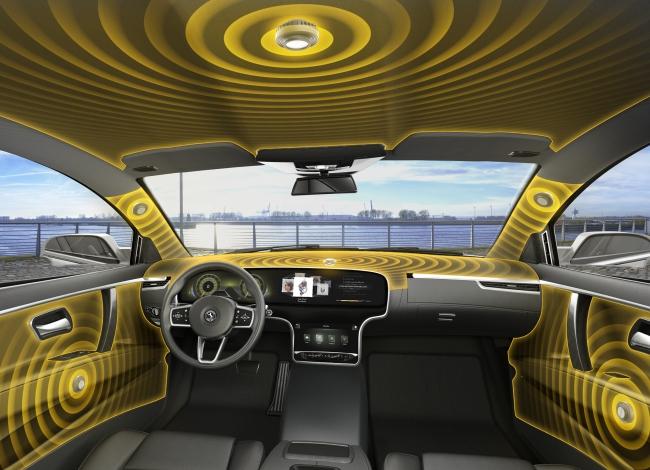 優れた3Dサウンド:コンチネンタルのオーディオシステムは、専門家も最高評価を与えている