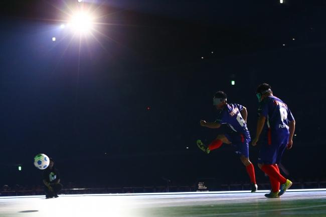 5人制サッカーの川村選手と寺西選手