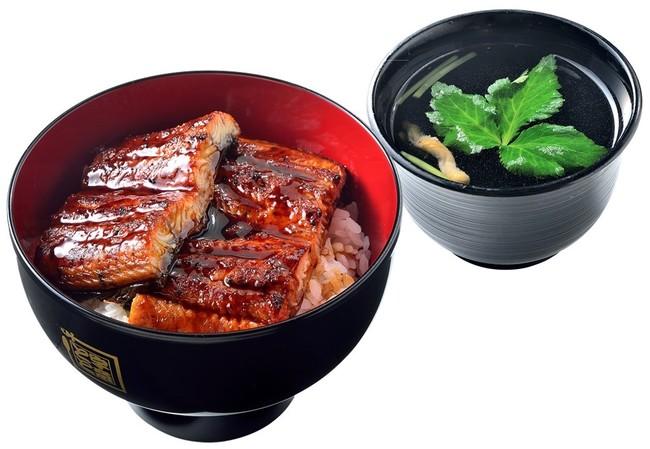 一番人気のうな丼ダブル(左)と肝吸い(右)