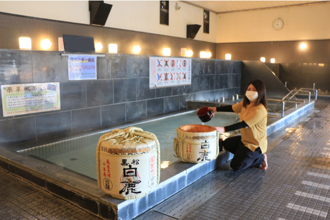 (画像)日本酒補充の様子