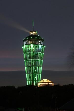 2020年世界緑内障週間に、グリーンにライトアップされた江の島シ―キャンドル