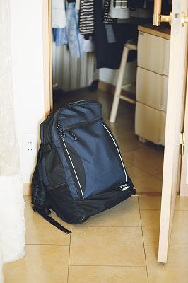 非常用持ち出し袋。クローゼットに保管