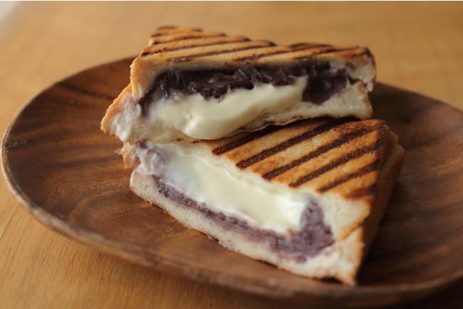 あまい小豆とふんわりチーズが絶妙「あんことマスカルポーネのサンド」