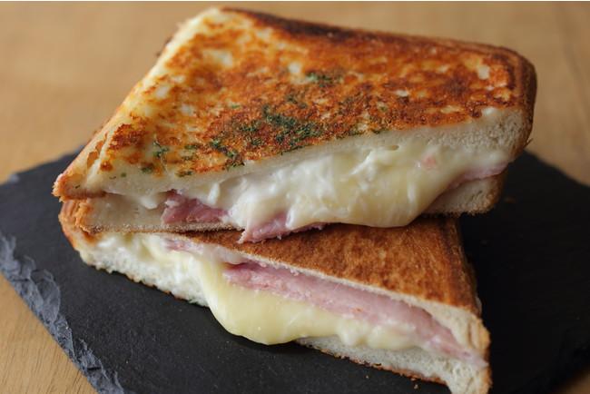 とろ~り!アツアツのソースとチーズにうっとり「クロックムッシュ」