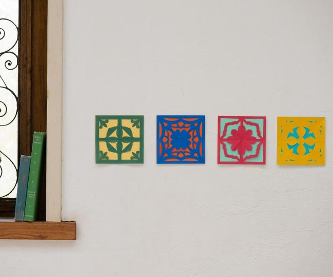 並べるとタイル風な壁飾りに。