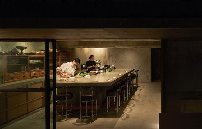 東京渋谷「HITOTEMA」の空間設計は夫で建築家の谷尻誠氏によるもの
