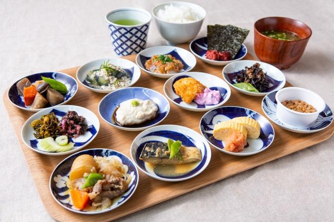 お米の食べ比べや九州の郷土料理が楽しめる朝食(ブッフェ形式)