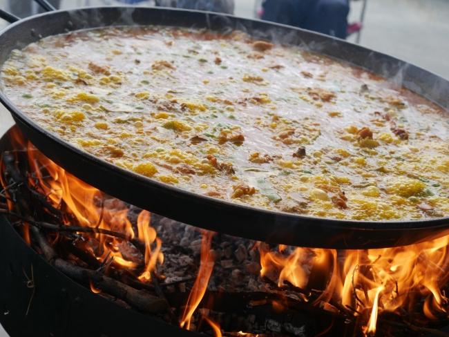 薪で炊く バレンシアパエリア