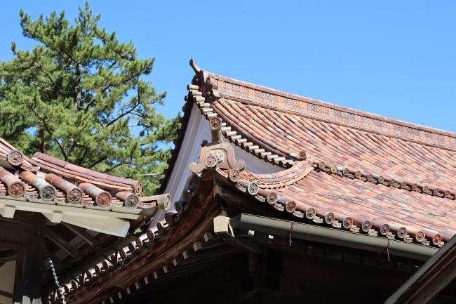 備前焼の屋根瓦も美しい