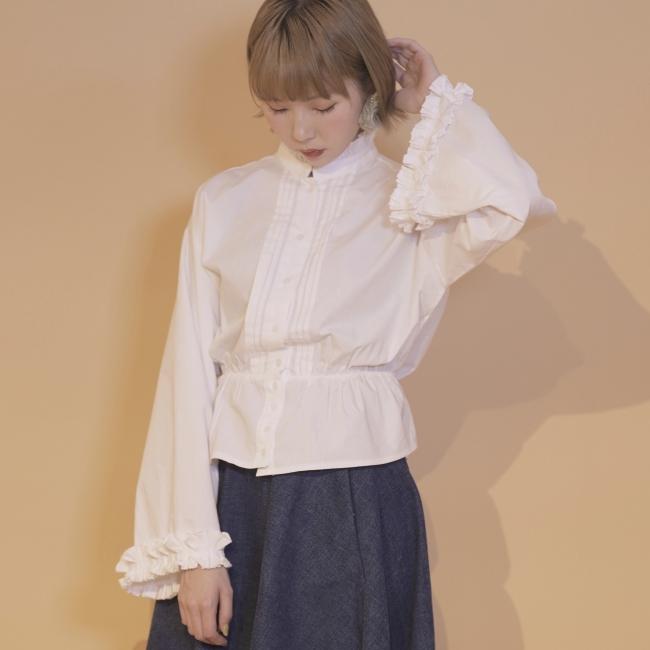 margaret frill blouse 7,200円