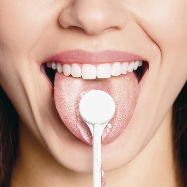 舌磨き使用イメージ