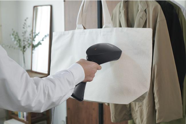 布製のバッグもスチームでケア
