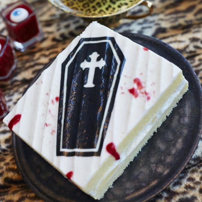 洋ナシの棺ショートケーキ