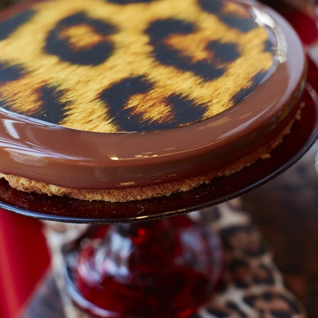 ミルクチョコレートのレオパードムース マロンクリーム