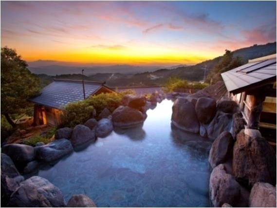 ▲最も高台にある混浴露天風呂「仙人の湯」