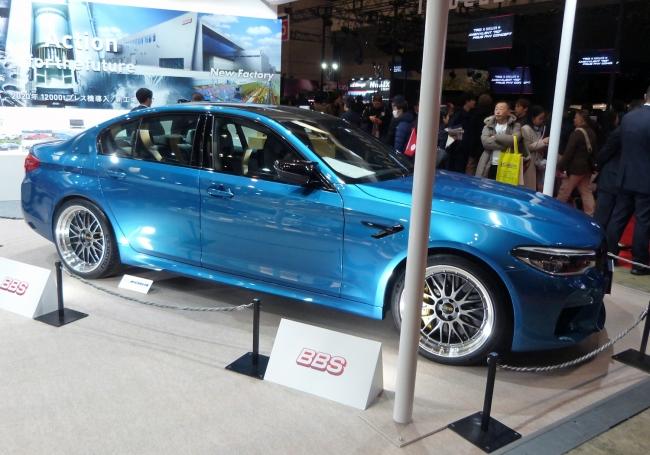 新型BMWにはBBS鍛造ホイールを装着